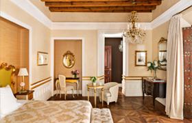 이미지출처 : www.hotelcasa1800sevilla.com